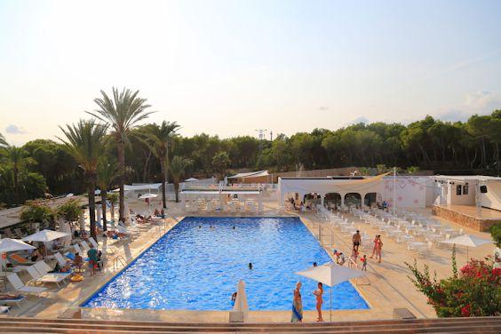 Pool Cooee Cala Llenya