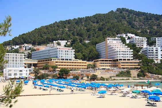 hotels Cala Longa